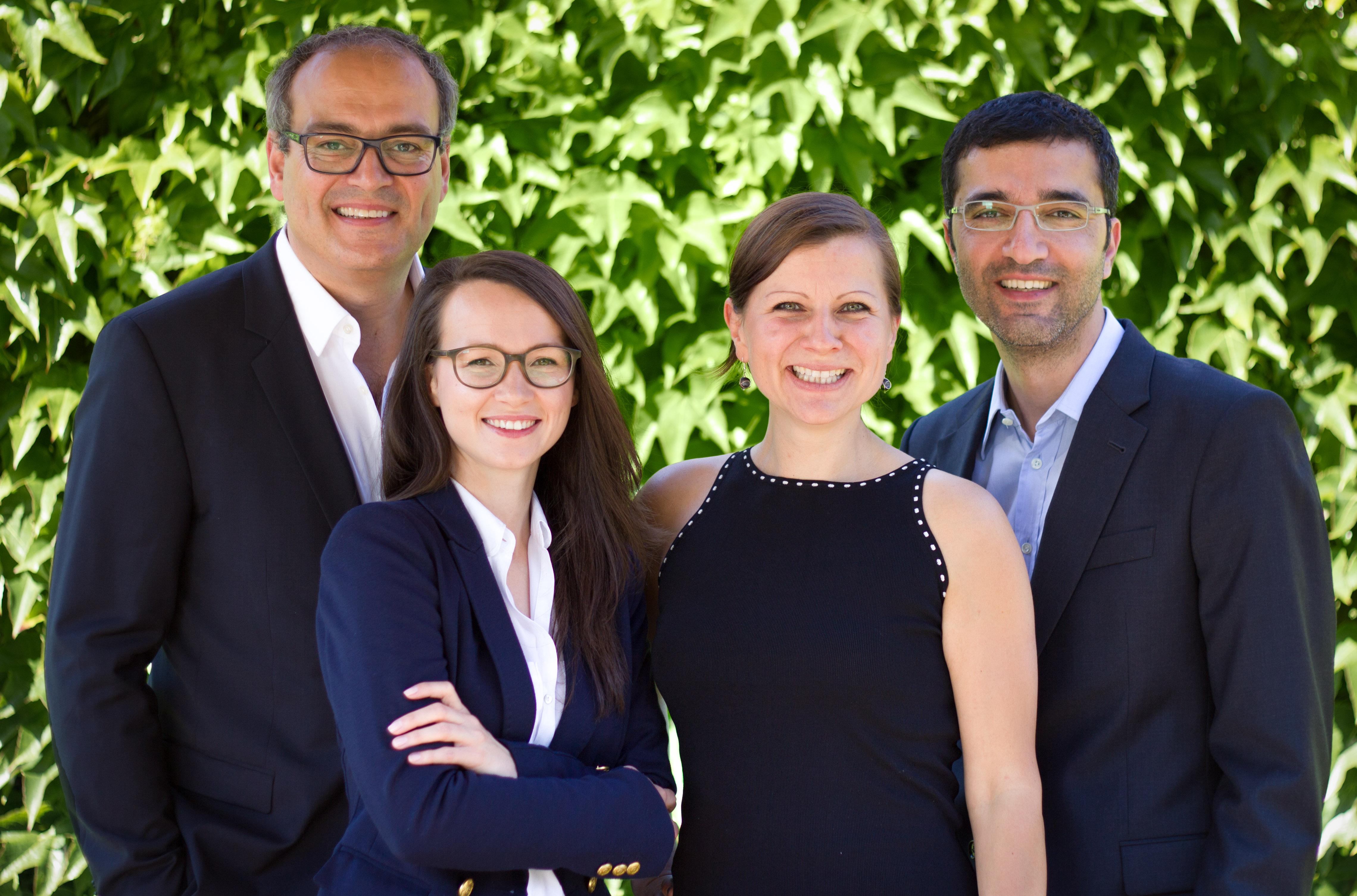 Puropharm-Team mit Dr. Gabriela Hoppe | Erfolg durch Ernährung | Ernährungsspezialistin & Heilpraktikerin